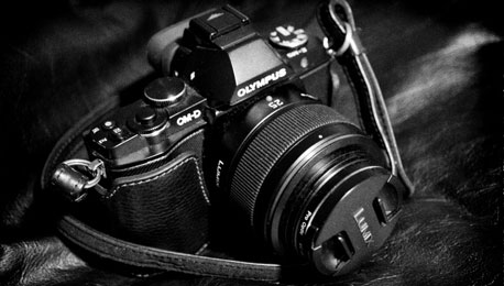 Technology Backlash: How a Rangefinder Guy Falls for the Olympus OM-D E-M5 Retro Rocket