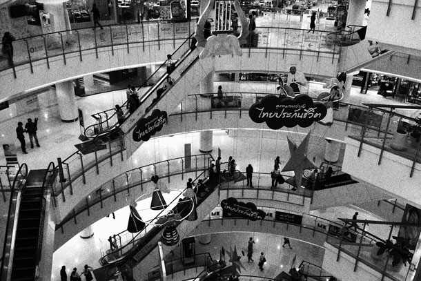 Careful with the Grainy Black-and-White Creative Filter! Depending on the subject/object the grain looks like measles. Mall | Canon EOS M with 22mm F2 @ ISO 100