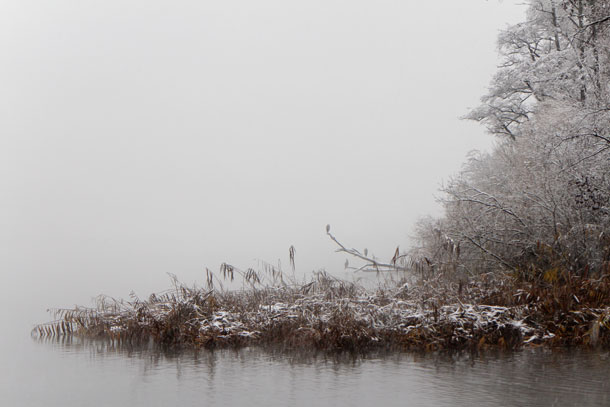 Misty shore | Canon EOS M with 18-55mm F3.5-5.6 @ ISO 250
