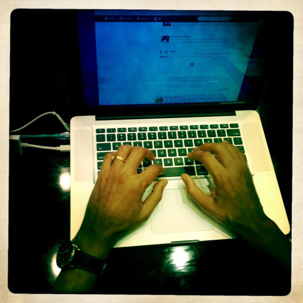Photo of President Obama's hands typing | Pete Souza, White House photographer