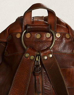 What a craftsmanship, what a finishing! The RRL Riley Leather Rucksack.