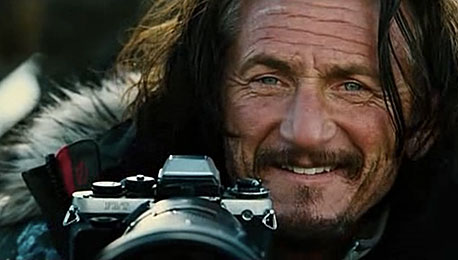 On Sean Penn, His Trusted Nikon F3/T and the Distraction of the Camera