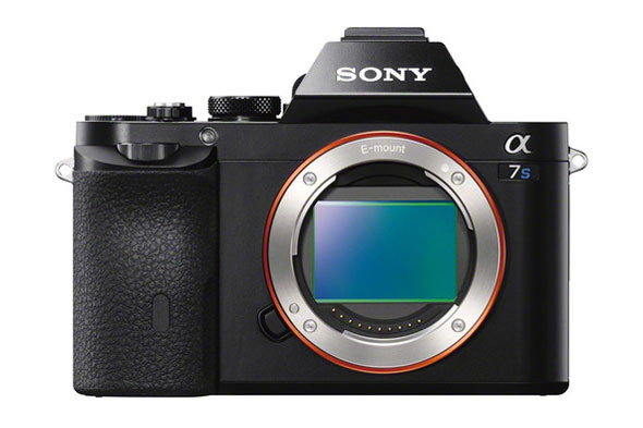 New Low Light and Compact Kings Sony A7S and RX100 Mark III Available for Preorder